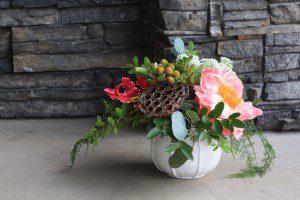 small flower arrangement - Kelowna Flower Delivery Shop | Flower Arrangements & Bouquets - Passionate Blooms