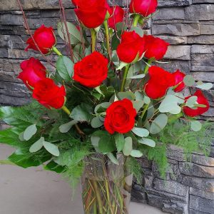 Flower Shop West Kelowna | Passionate Blooms Floral Design | Red roses vase arrangement