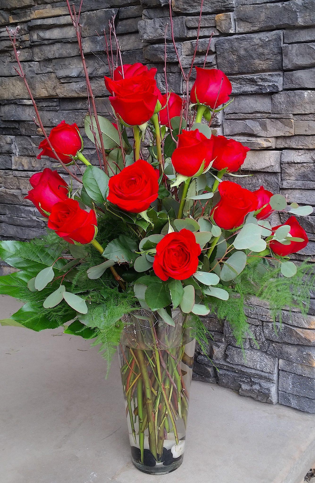 Flower Shop West Kelowna | Passionate Blooms Floral Design | Red roses vase arrangement