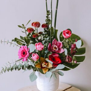 magic stems vase arrangement