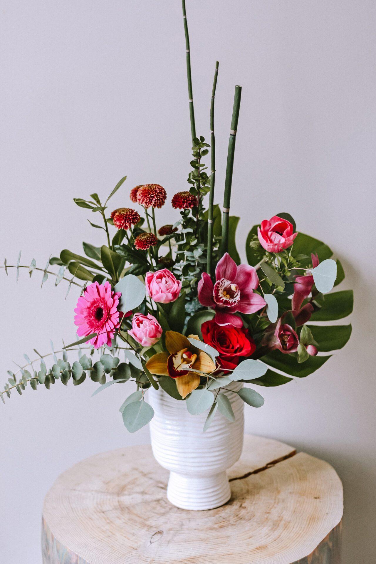 magic stems vase arrangement