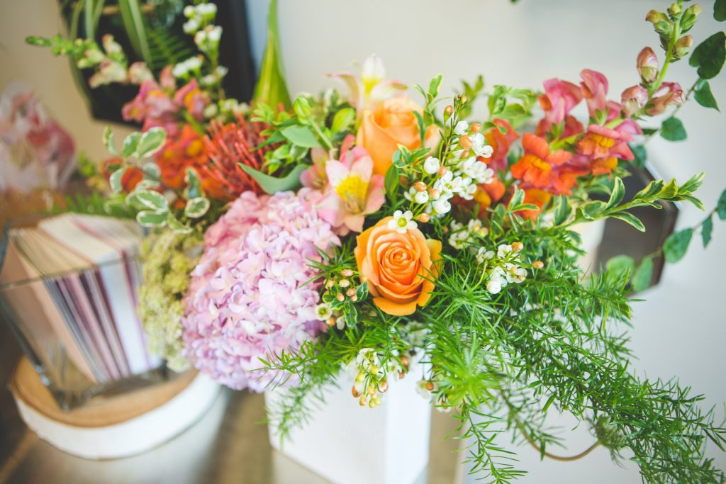 flower-arrangement-local-Okanagan-flowers-Kelowna-florist-Passionate-Blooms